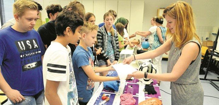 Die Gemeinschaftsschüler erhielten praktische Einblicke in mögliche Berufsfelder  GB-Foto: Holom
