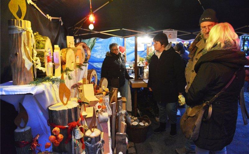 Stimmungsvoll präsentiert sich der Gültsteiner Weihnachtsmarkt  GB-Foto: Holom