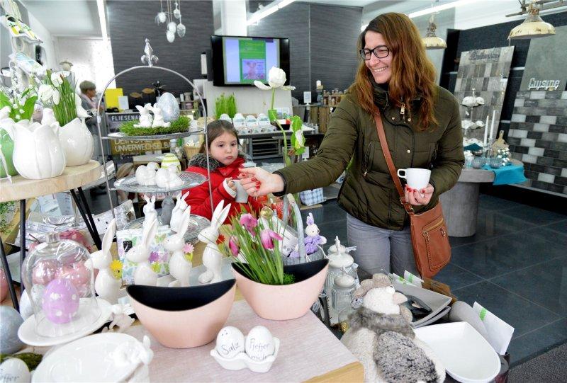 Verkaufsoffener Sonntag und Ostermarkt im Aidlinger Weg und in der Bismarckstraße: Die Veranstalter sind zufrieden  GB-Foto: Holom