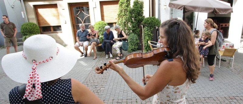 Die Gruppe Coindra war eine von insgesamt 20 Teilnehmern beim Straßenmusikfestival in der Herrenberger Innenstadt  GB-Foto: Bäuerle