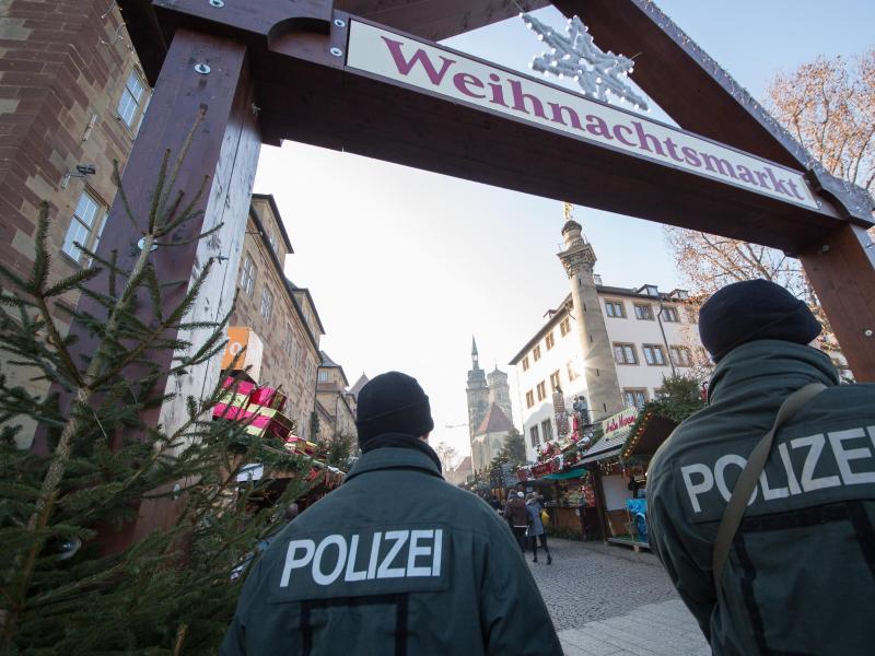 Wann Beginnt Der Weihnachtsmarkt In Stuttgart.Zum Glühwein Viel Beton Wie Die Märkte Sich Schützen Kreiszeitung