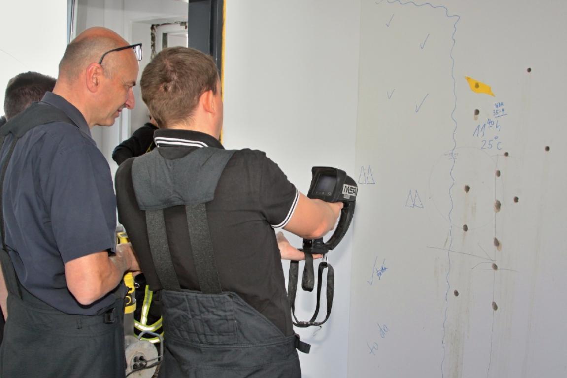 dehnfuge fängt bei renovierung zu brennen an - kreiszeitung